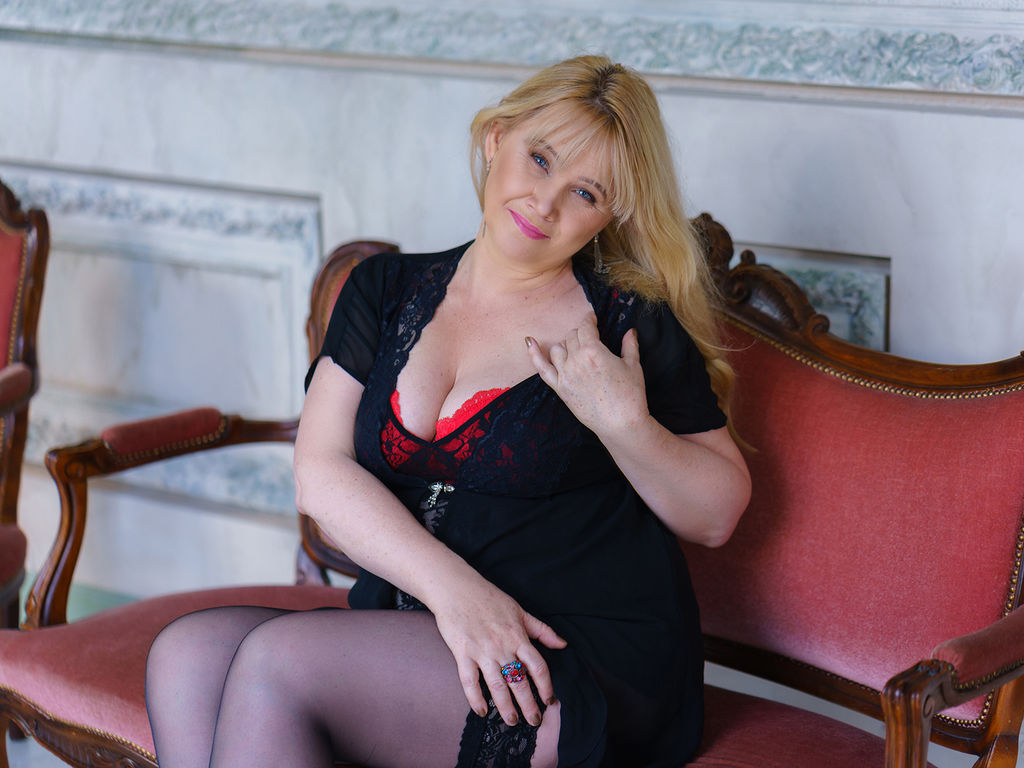 Free adult chat rooms with voice