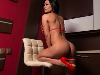 live webcam performer LindaClara