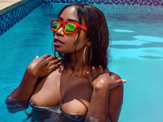 cam girl showing tits BritanyMoore