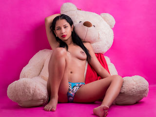 beautiful camgirl AbieMagne