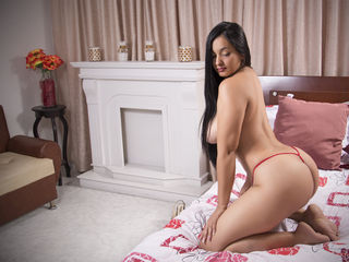 naked webcamgirl video belleluluxxx