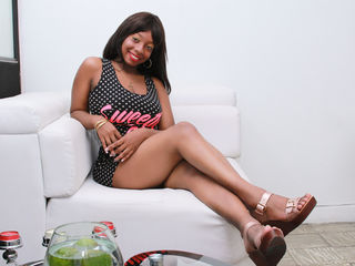 nude cam girl picture honeyyxnockers