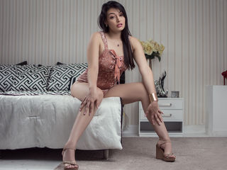 naughty camgirl JulietaMiler