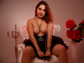 cam girl masturbating with vibrator GentleBetty