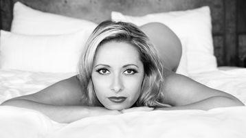 DariaGlower | Jasmin