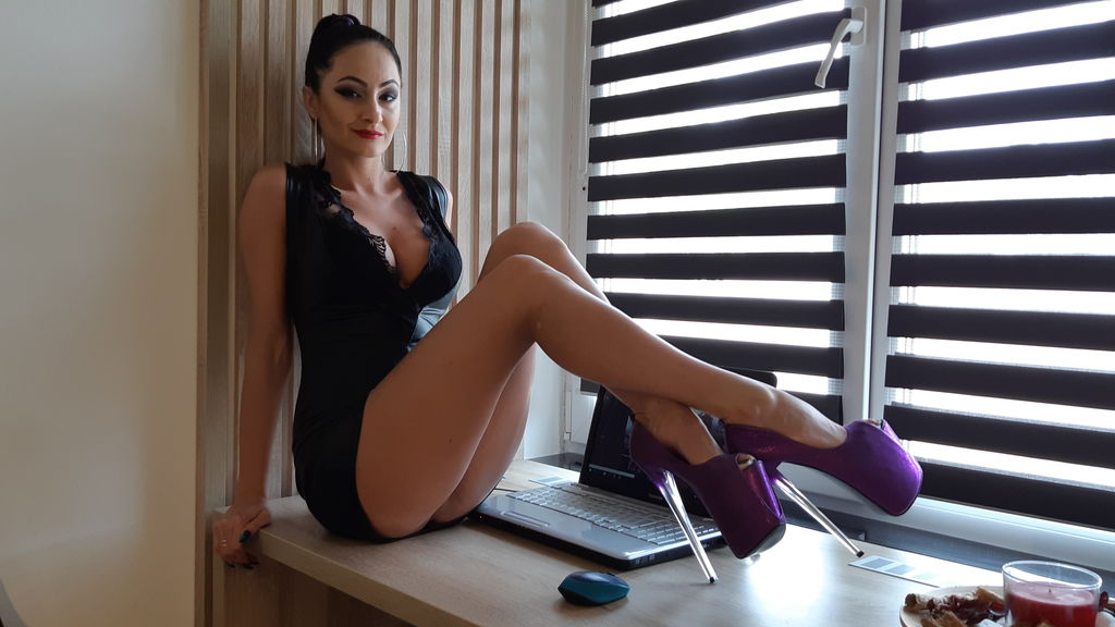 BlackCat0007 online at GirlsOfJasmin
