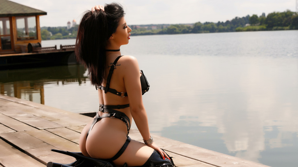 Watch the sexy KhandiJanel from LiveJasmin at GirlsOfJasmin