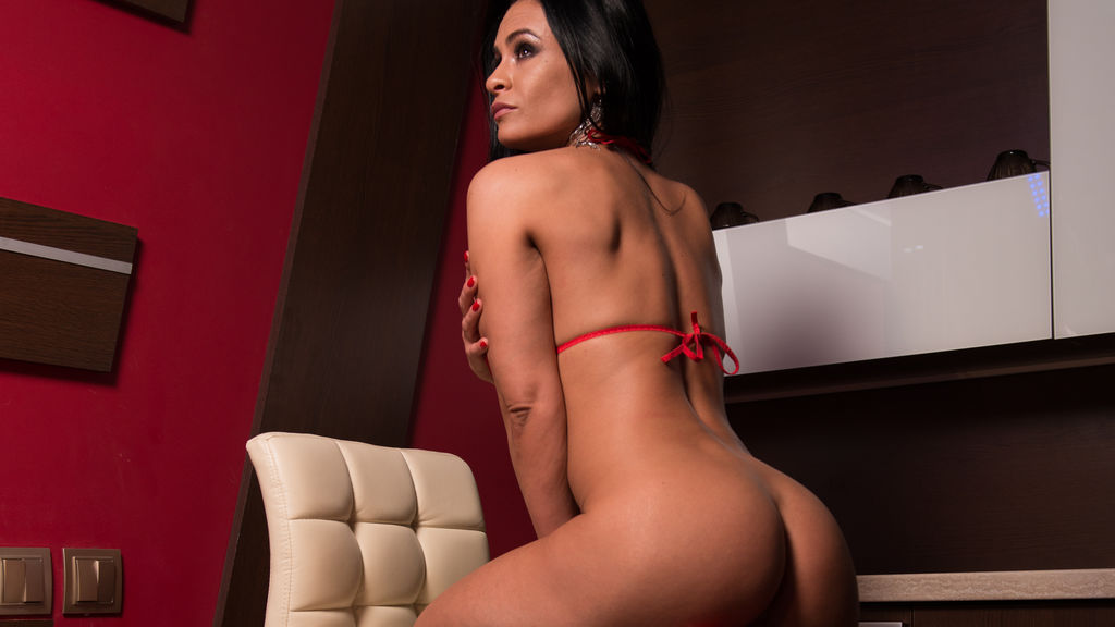 LindaClara's profile from LiveJasmin at PULA.ws'