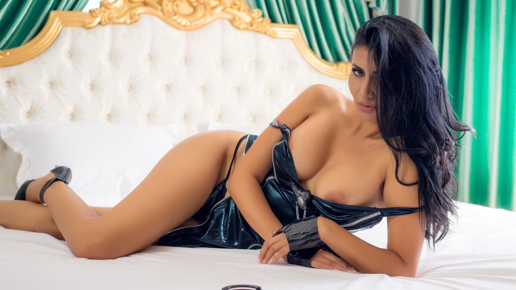 Discover and Live Sex Chat with KristaLynne on Live Jasmin