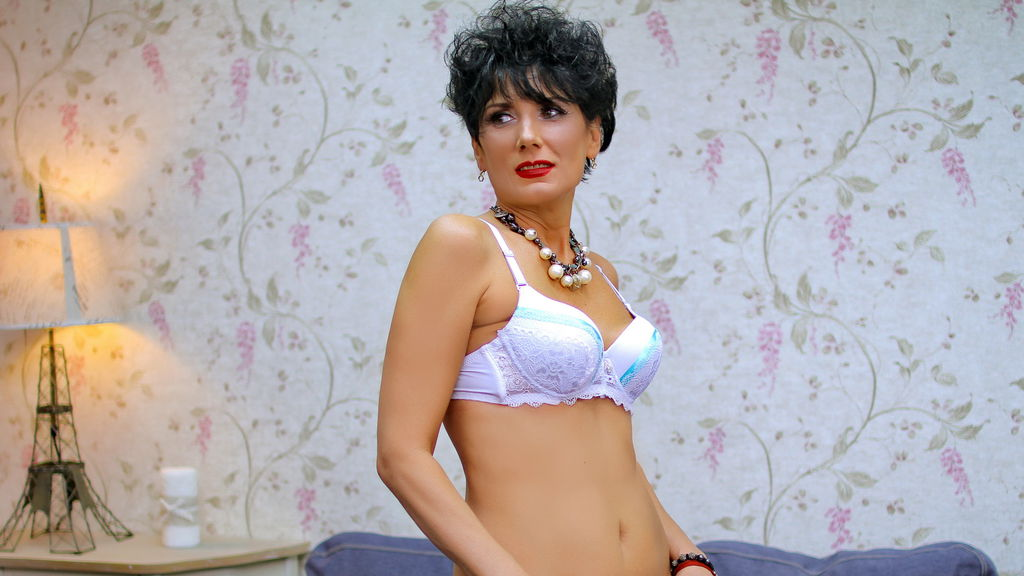 Watch the sexy MeganMILF from LiveJasmin at PULA.ws