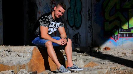 DarrenBondd