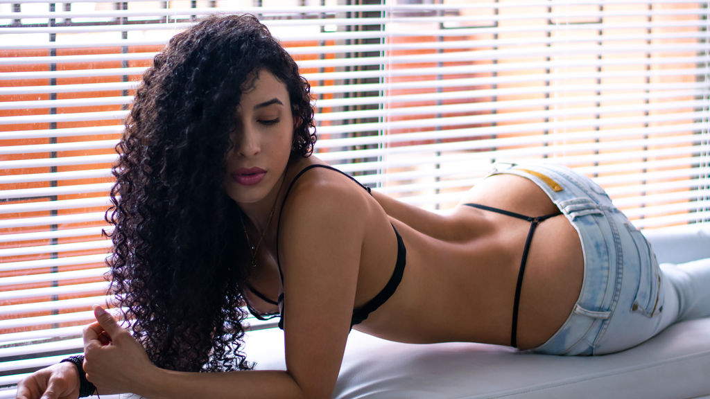 miiagreyy online at GirlsOfJasmin