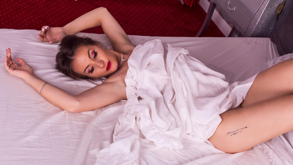 Watch the sexy KairahShine from LiveJasmin at GirlsOfJasmin