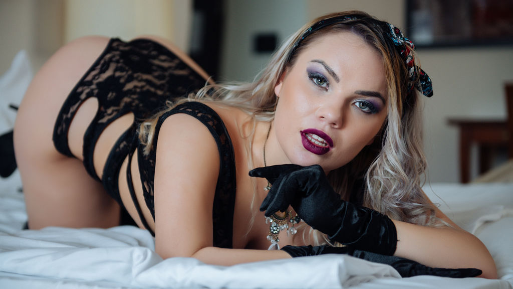 DebbyBrown online at GirlsOfJasmin