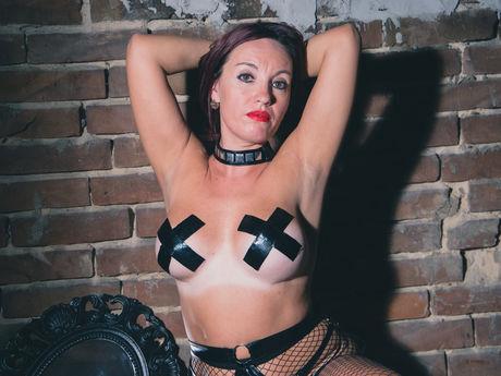 Live show with Mistress YzandaSlave