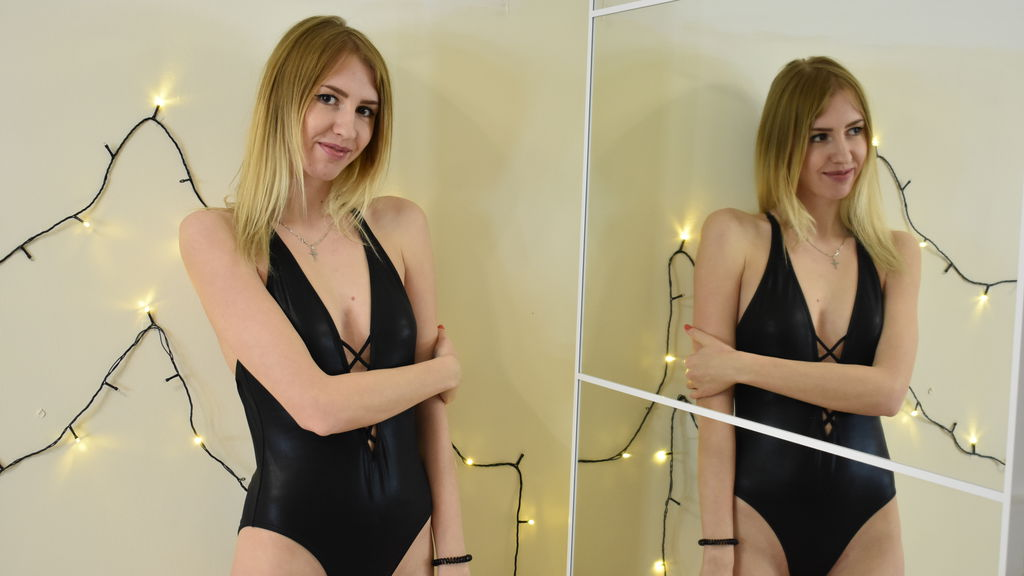 AliceCharming online at GirlsOfJasmin
