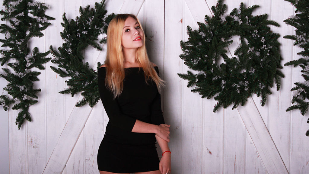 VikaWest online at GirlsOfJasmin