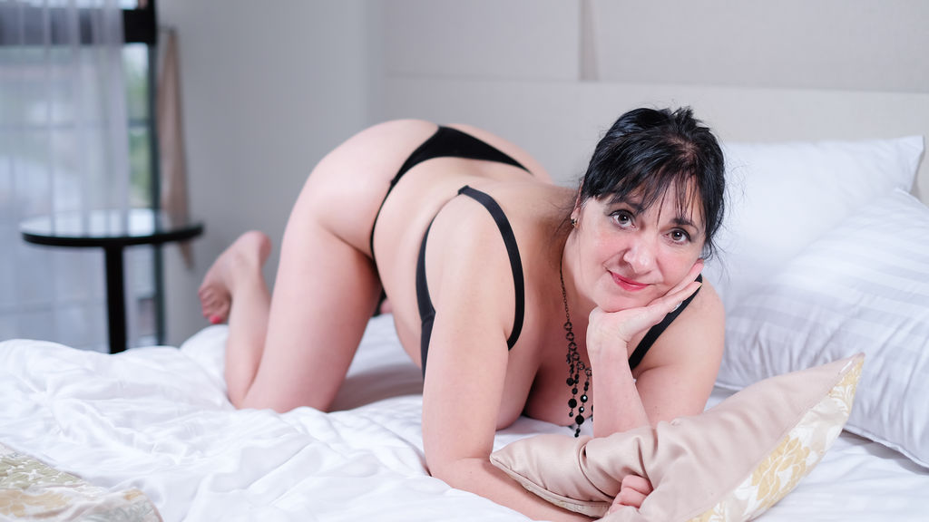 CarlaMilles online at GirlsOfJasmin