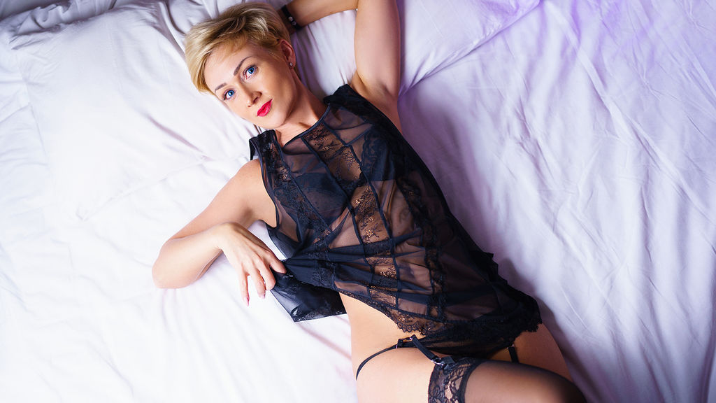 Watch the sexy beautyxfleur from LiveJasmin at GirlsOfJasmin