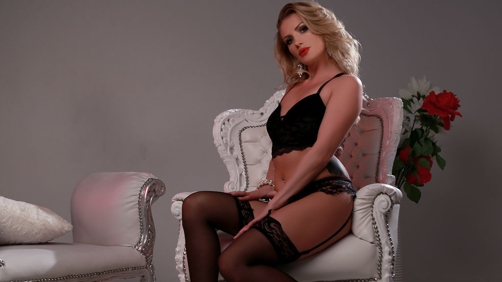 Watch the sexy ChicAdeline from LiveJasmin at PULA.ws