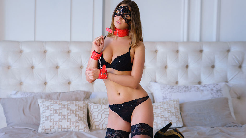 Watch the sexy xJuliaRich from LiveJasmin at GirlsOfJasmin